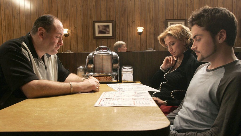 THE SOPRANOS, James Gandolfini, Edie Falco, Robert Iler, 'Made in America', (Season 6, episode 21, aired June 10, 2007), 1999-2007, photo: ©HBO / courtesy Everett Collection