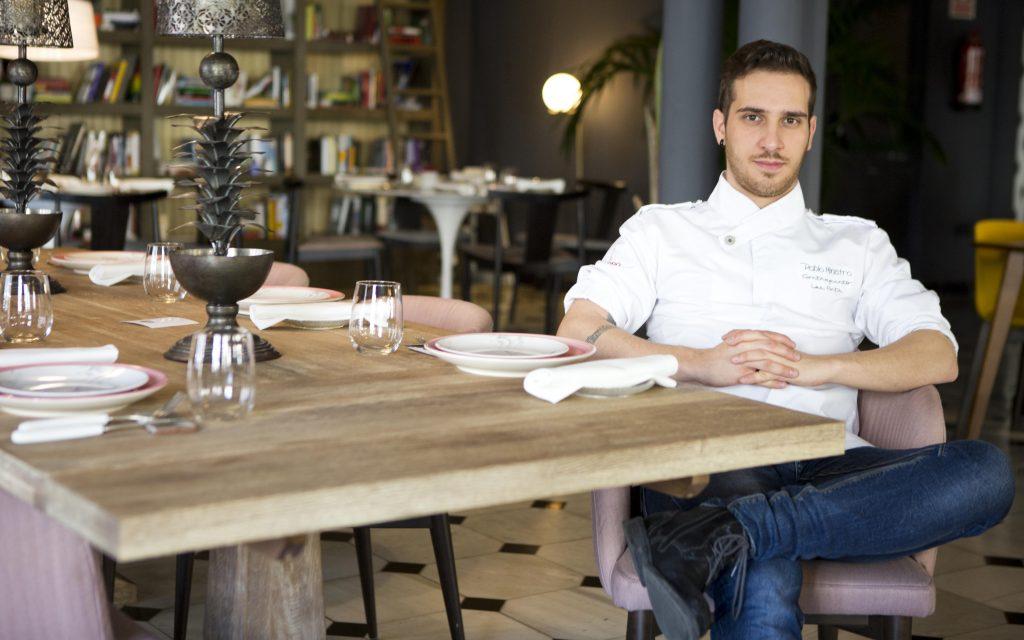 Pablo en el Restaurante del Hotel Reina Victoria. Fotograf'a de: Damian Torres