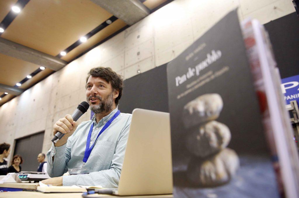 Ibán Yarza en un momento de la presentación del libro. Foto: Alberto Sáiz.