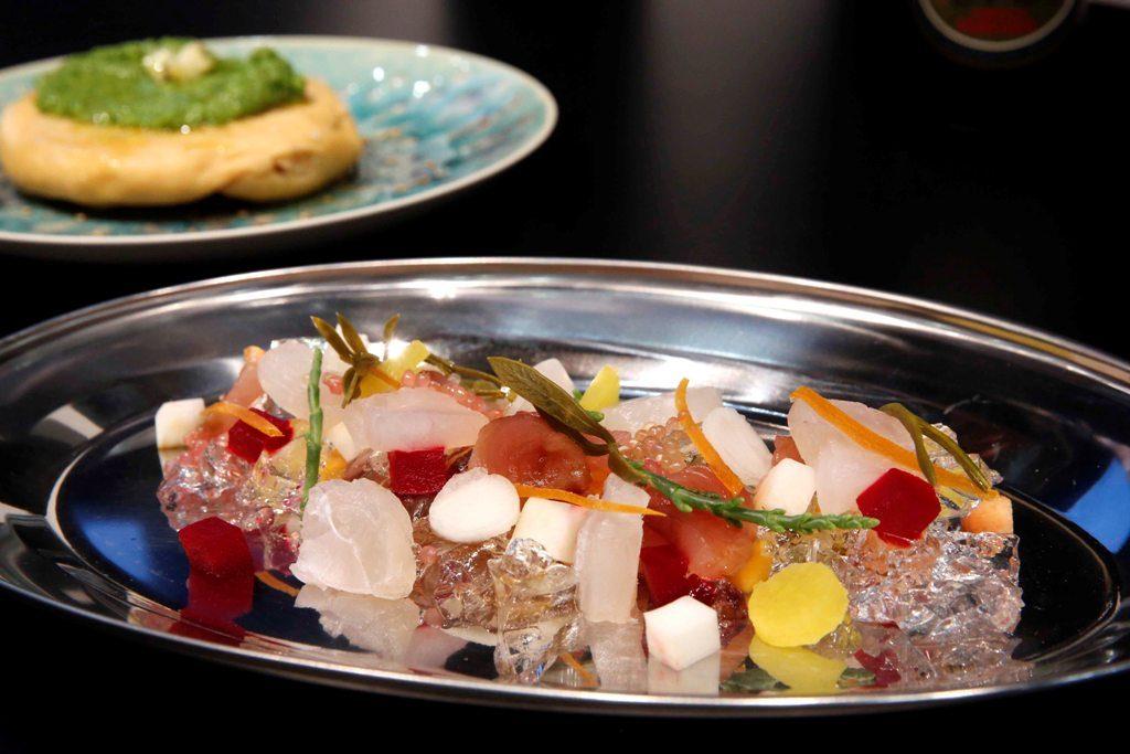 Uno de los platos elaborados en Gastrónoma. Su gin-tonic. Foto de Alberto Sáiz.