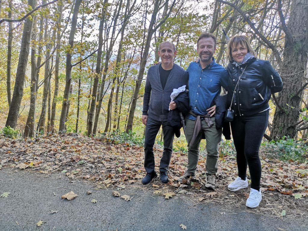 María José junto a Nacho Manzano y Paco Pérez, de paseo por La Salgar
