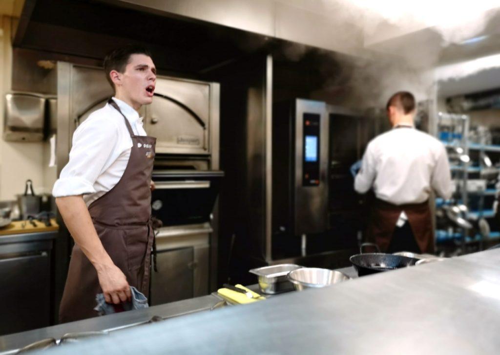 Un cocinero en Mugaritz.