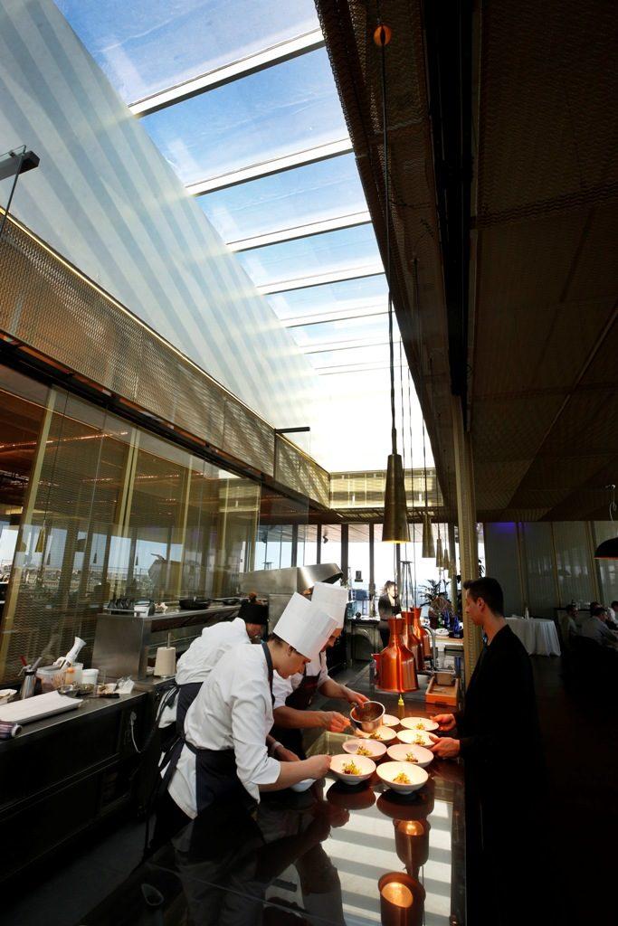 Restaurante La Sucursal en Veles e Vents, Marina Real. Fototografia de Jesus Signes